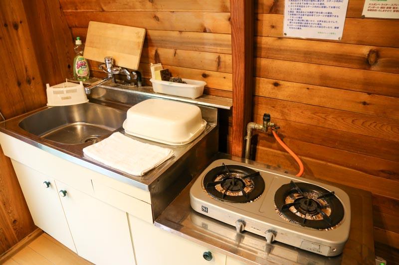 ペットも泊まれる森の小さなリゾート村 桜清水コテージ(キッチン)