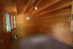 オートキャンプ場「赤倉の森」バンガローの内装